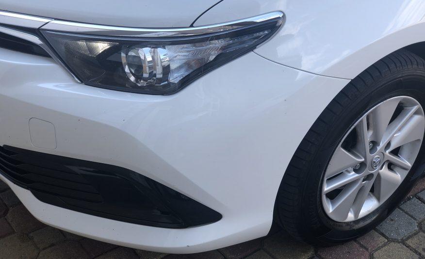 Toyota Auris 1.8 Hybrid.100 Bus. AT TS